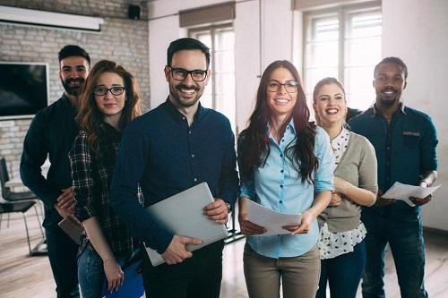 Jeunes actifs: investissements en Bourse, assurance-vie... et si vous osiez vous lancer?